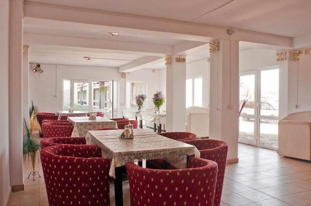 complex-turistic-comorile-deltei-restaurant