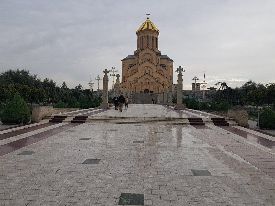 catedrala din tbilisi sfanta treime sau Sameba