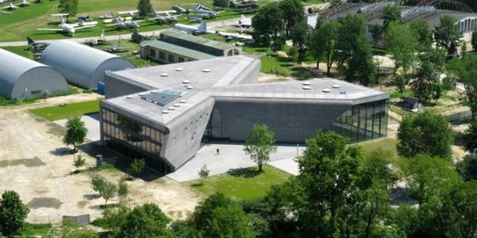 muzeul de aviatie din cracovia