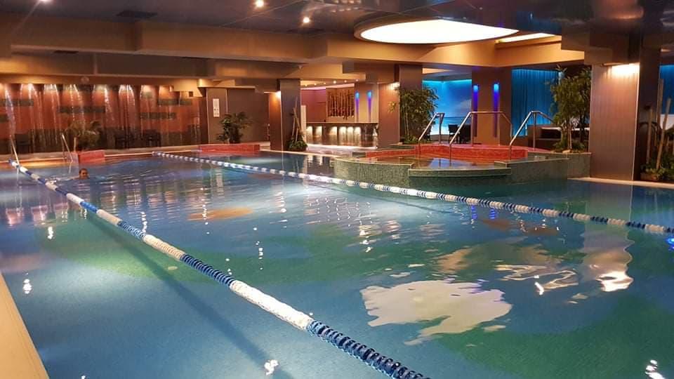 piscina body art wellness club