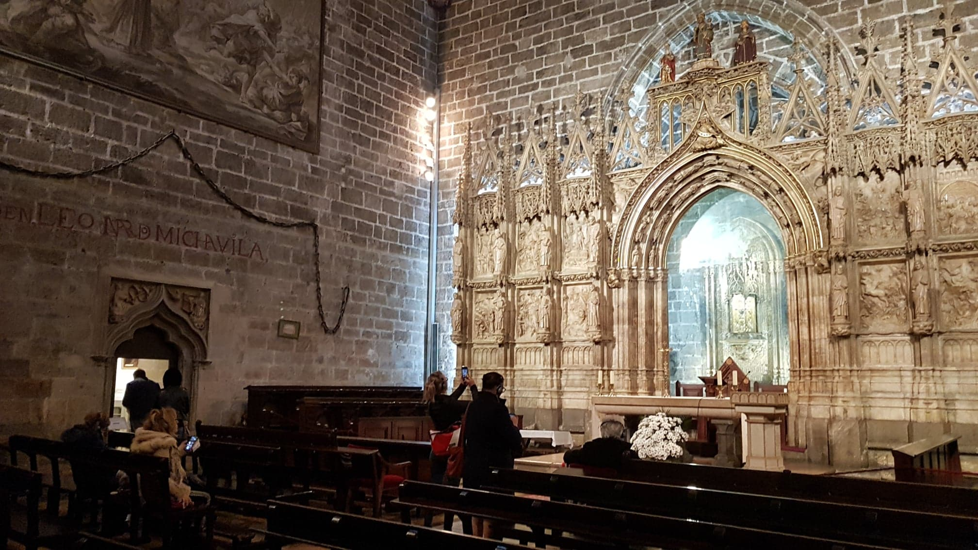 sala unde se afla sfantul potir de la catedrala din valencia